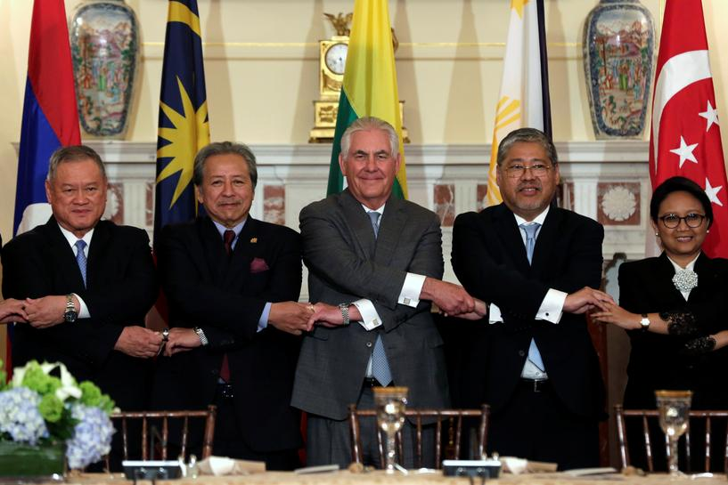 Tillerson meets ASEAN ministers to seek support on North Korea