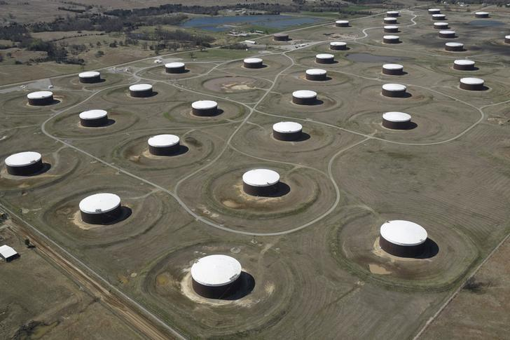 Crude oil storage tanks are seen from above at the Cushing oil hub, in Cushing, Oklahoma, U.S. on March 24, 2016.   REUTERS/Nick Oxford/File Photo