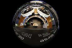 الأسهم الأوروبية تغلق عند أعلى مستوياتها في 21 شهرا