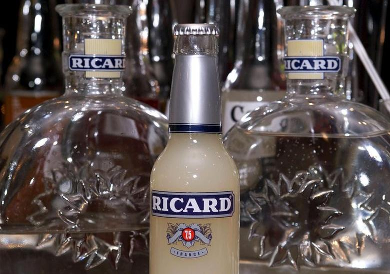 A bottle of ''ready-to-drink'' pastis at a bar in Toulouse, in this November 9, 2001 file photo. REUTERS/Stringer/Files