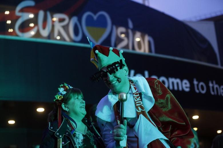 Fans arrive at the Eurovision Song Contest 2017 Grand Final at the International Exhibition Centre in Kiev, Ukraine, May 13, 2017. REUTERS/Valentyn Ogirenko