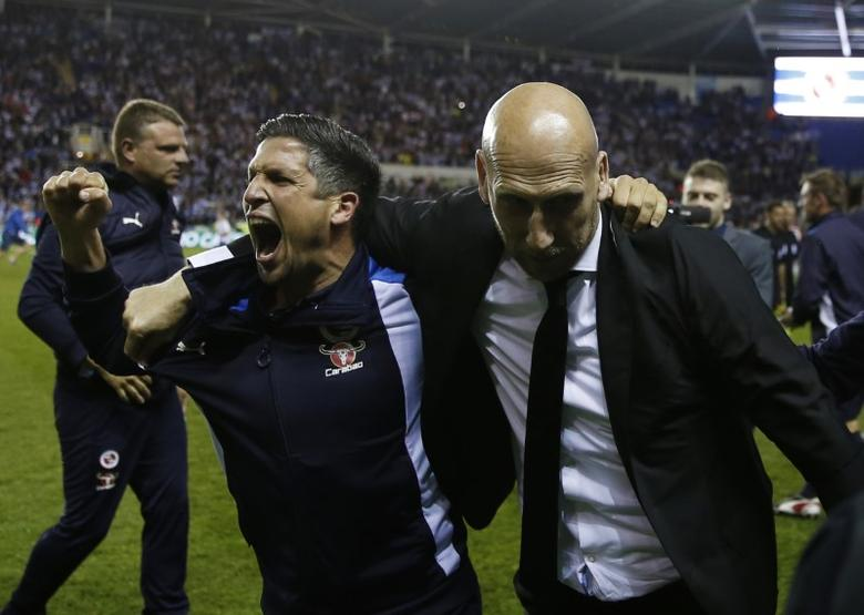 Britain Football Soccer - Reading v Fulham - Sky Bet Championship Play Off Semi Final Second Leg - The Madejski Stadium - 16/5/17 Reading manager Jaap Stam (R) celebrates at the end of the match after reaching the Play Off final Action Images via Reuters / Matthew Childs Livepic