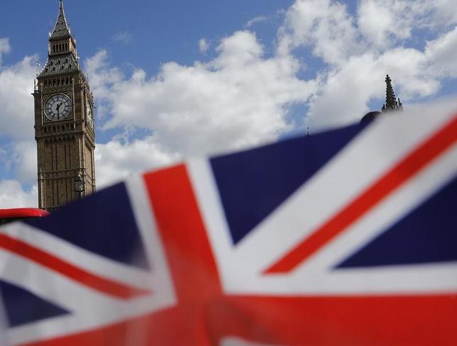 5月17日、メルケル独首相は、英国が欧州連合(EU)離脱後にEU市民の移動の自由を制限すれば、英国は代償を支払うことになるとの見解を示した。4月撮影(2017年 ロイター/Stefan Wermuth)