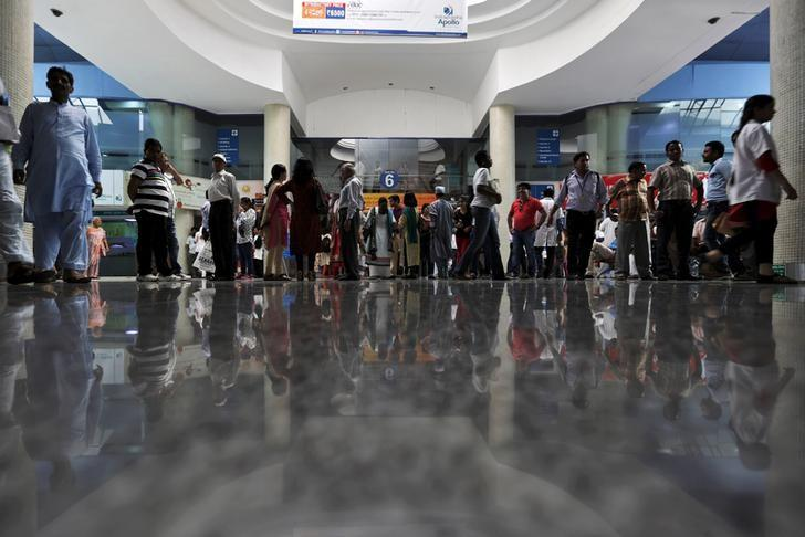 Patients and their attendants are seen inside Apollo hospital in New Delhi, India, September 8, 2015. REUTERS/Adnan Abidi/Files