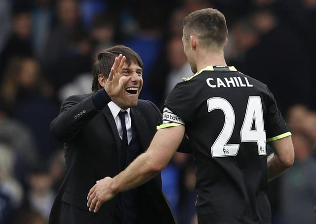 Britain Football Soccer - Everton v Chelsea - Premier League - Goodison Park - 30/4/17 Chelsea manager Antonio Conte celebrates after the match with Gary Cahill Reuters / Phil Noble Livepic