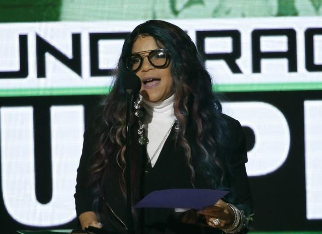 Tyka Nelson, sister of the late musician Prince, accepts the award for top soundtrack for ''Purple Rain'' at the 2016 American Music Awards in Los Angeles, California, U.S., November 20, 2016. REUTERS/Mario Anzuoni