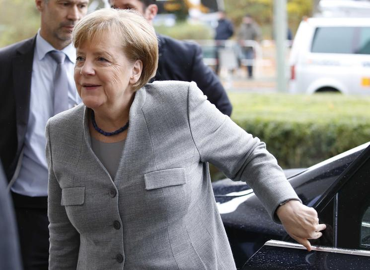 Merkel's fourth term in doubt after would-be partner pulls out