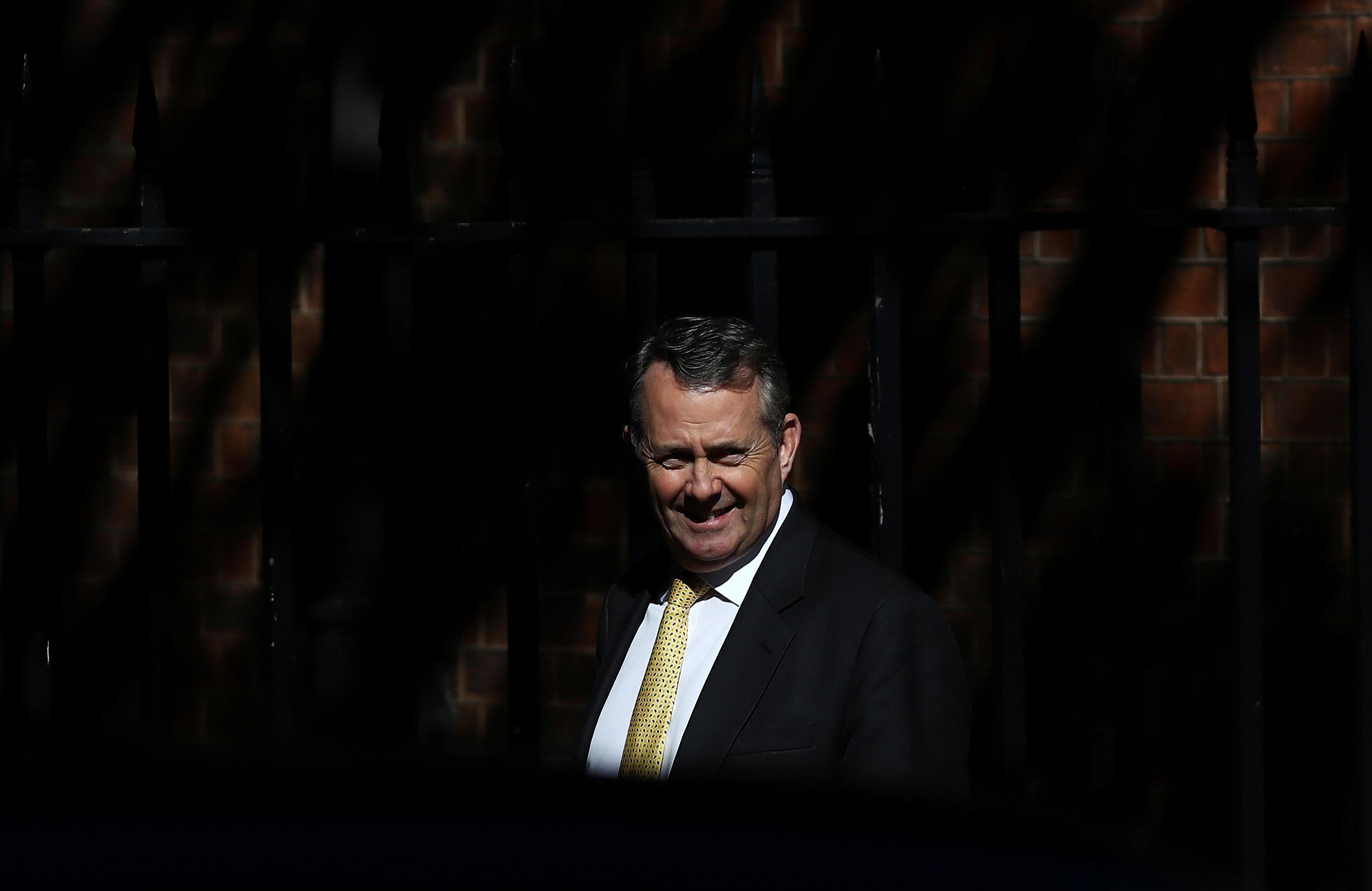 英国贸易部长对特朗普钢铁关税延长表示高兴