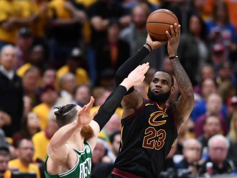LeBron James sets playoff field goal record in Game 4 Cavaliers-Celtics win
