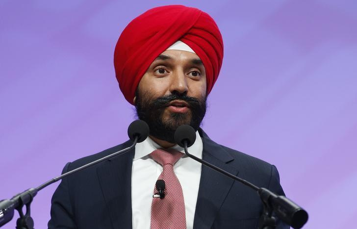 Canadian Minister of Innovation Science and Economic Development, Navdeep Bains, introduces Blackberry CEO John Chen (not pictured) at the North American International Auto Show in Detroit, Michigan, U.S., January 15, 2018. Rebecca Cook