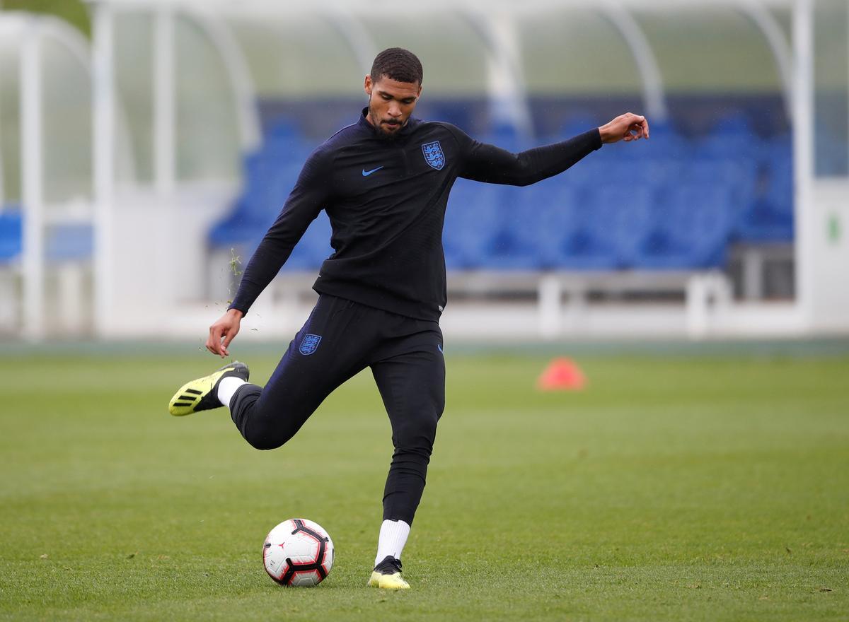 Soccer: Kante backs Loftus-Cheek to shine at Chelsea