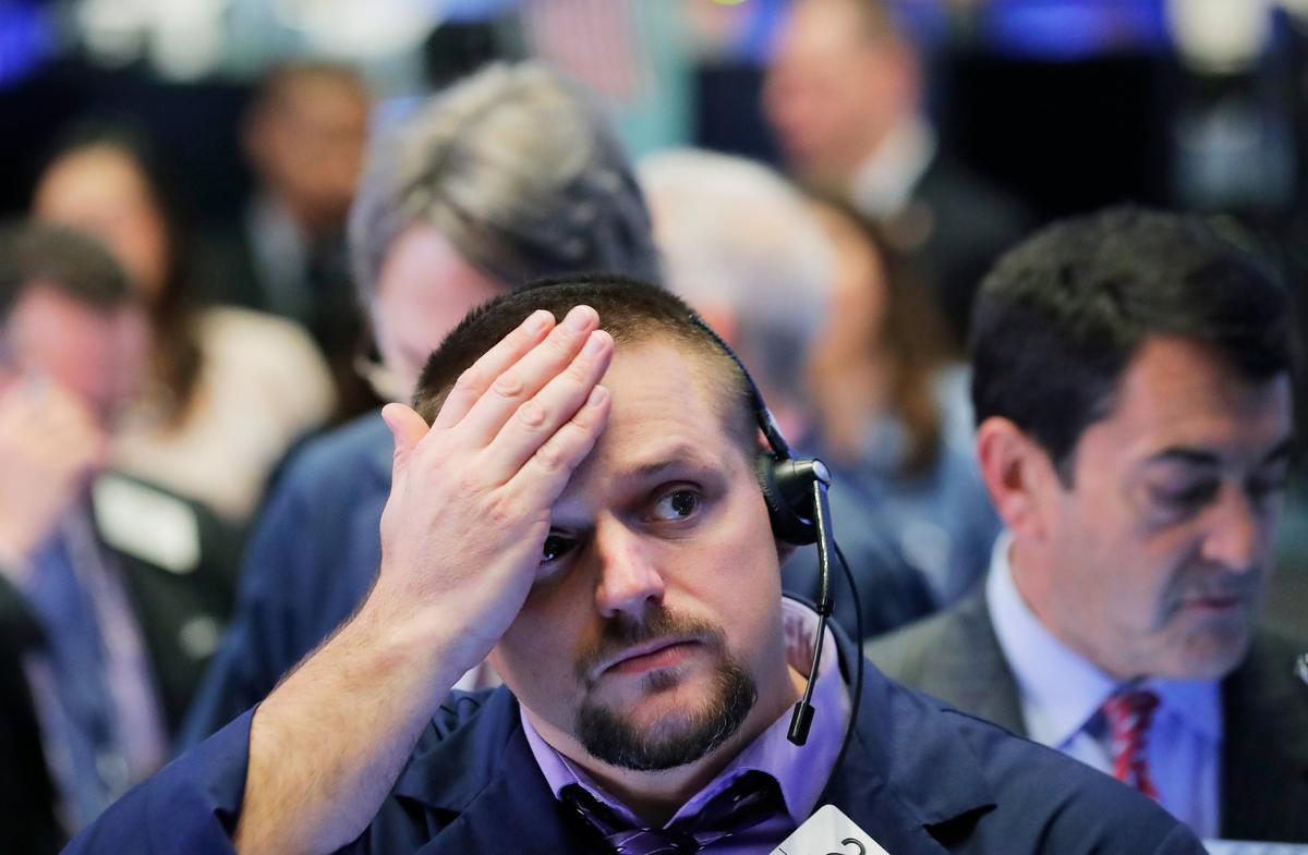 European stocks slump to 21-month low, Wall Street braces