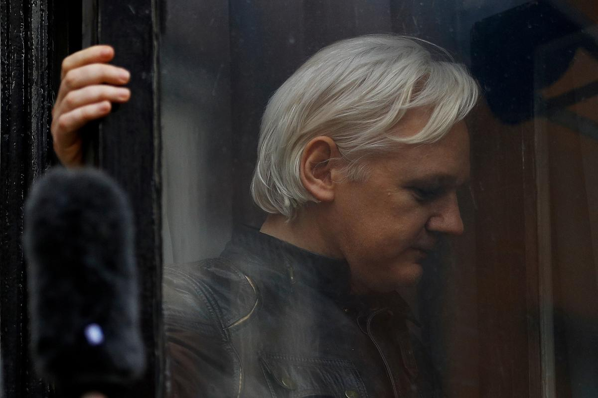 United States seeks extradition of WikiLeaks founder Assange