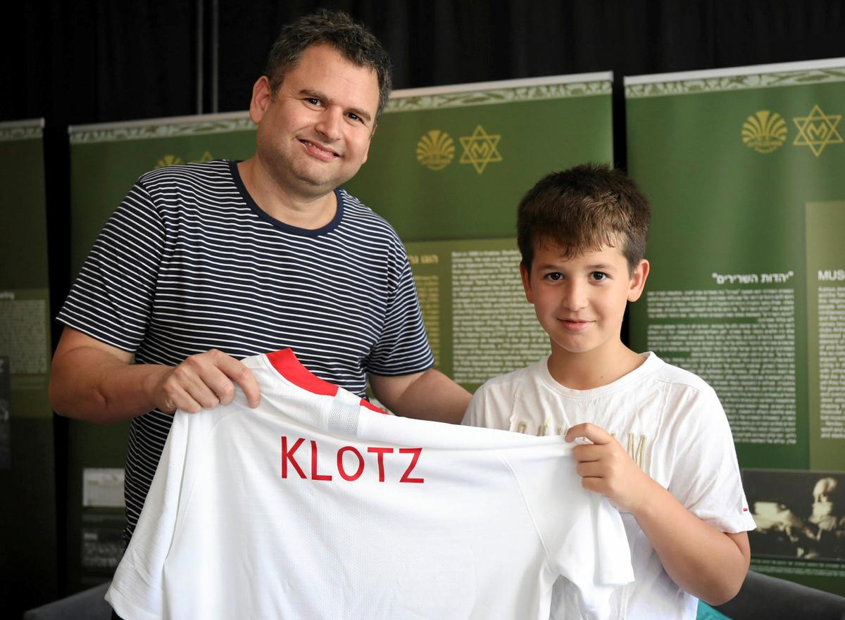 Soccer: Poland honours national soccer player murdered in Holocaust