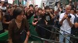 Rival protesters face off in Hong Kong