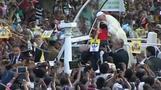 Pope holds prayers at Sri Lanka sanctuary