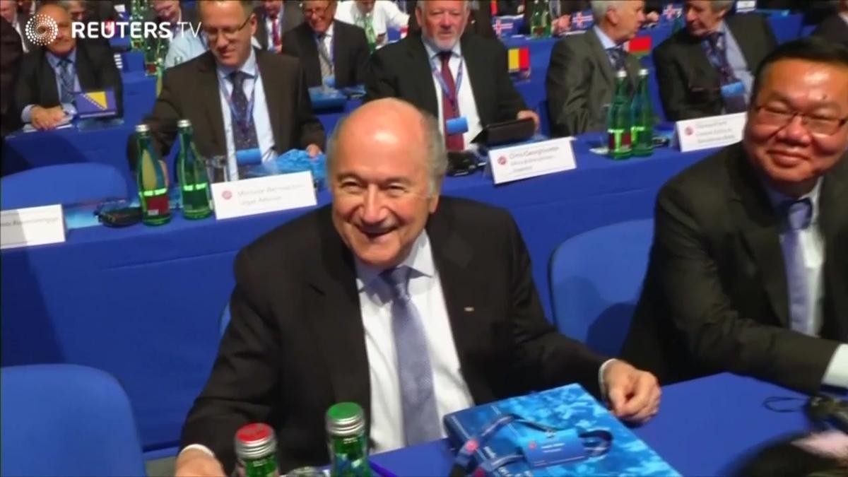 Sponsors pile pressure on FIFA chief Blatter