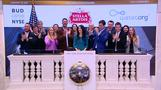Dow tops 20,000 on revitalized Trump trade, earnings