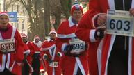 Thousands dress up as Santa Claus for charity races