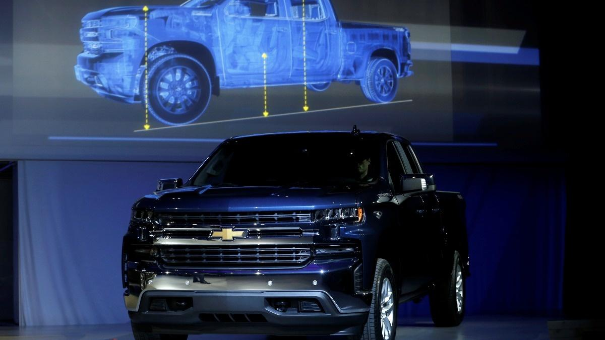 GM Bets Big On Steel At Detroit Auto Show Reuterscom - Merit chevrolet car show