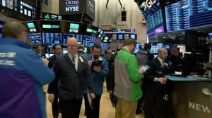 Wall Street climbs, uncowed by inflation
