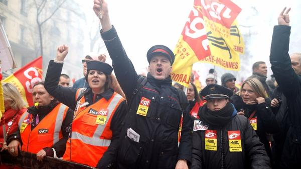 Protesters in France challenge economic reforms