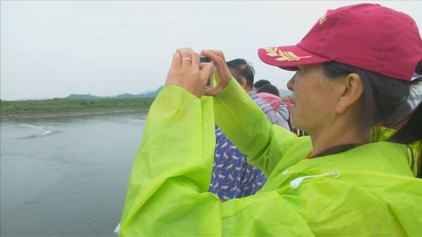 中朝国境地帯を行く、北朝鮮は観光客に人気の「人間動物園」(字幕・20日)