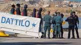 Migrants blocked from Italy arrive in Spain