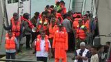 インドネシアのフェリー事故で180人不明、定員超過が一因か(字幕・20日)