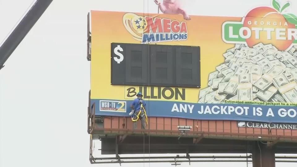 Mega Millions, Powerball jackpots hit $2 billion