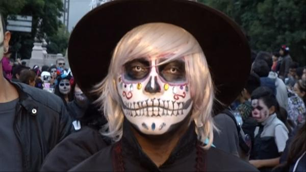 Skeletons run amok as Mexico kicks off the Day of the Dead