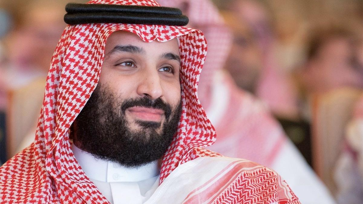 INSIGHT: Saudi prince gets warm welcome at Riyadh summit