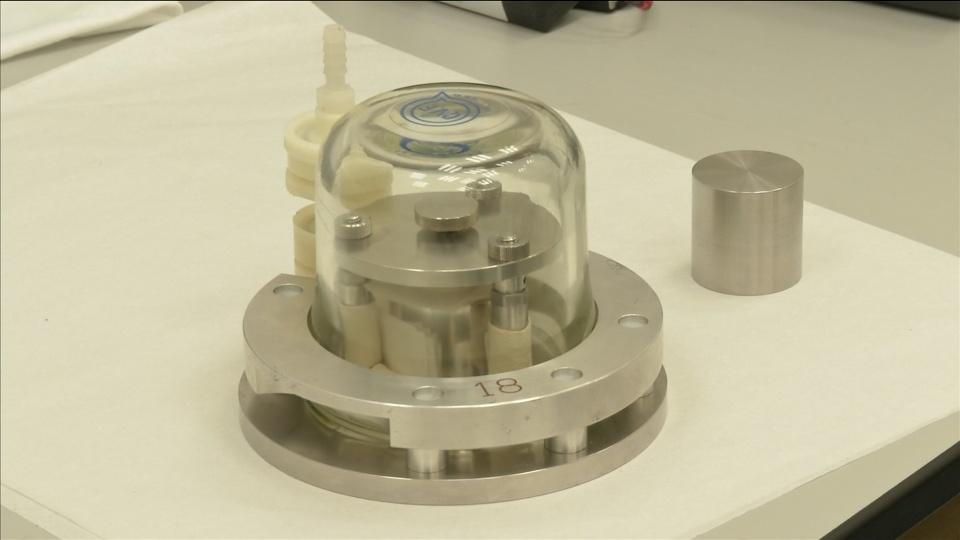 Scientists to swap dirty old kilogram for something more stable