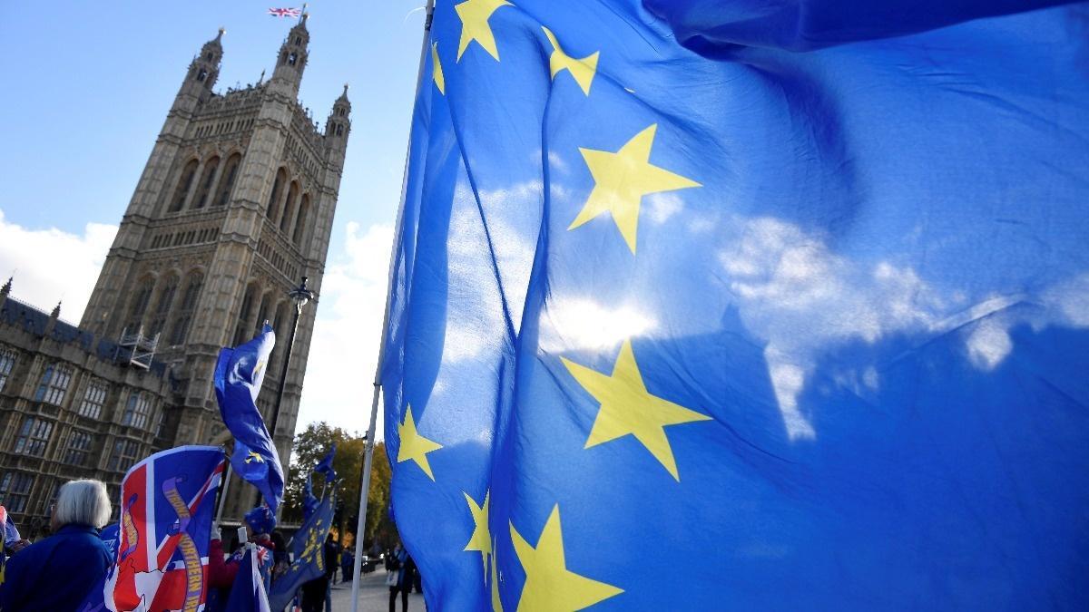 Britain, EU agree draft Brexit deal