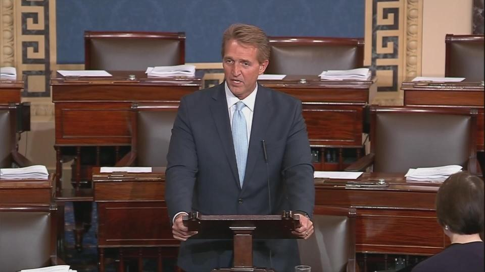 Flake takes a stand on protecting Mueller probe