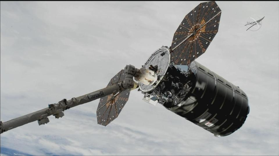 Cygnus cargo craft arrives at ISS