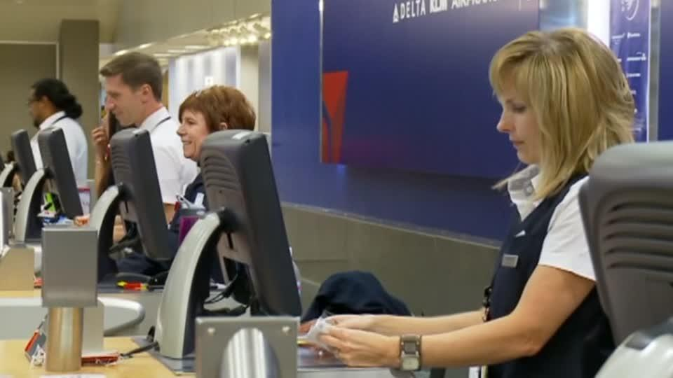 Delta sees fuel costs dropping