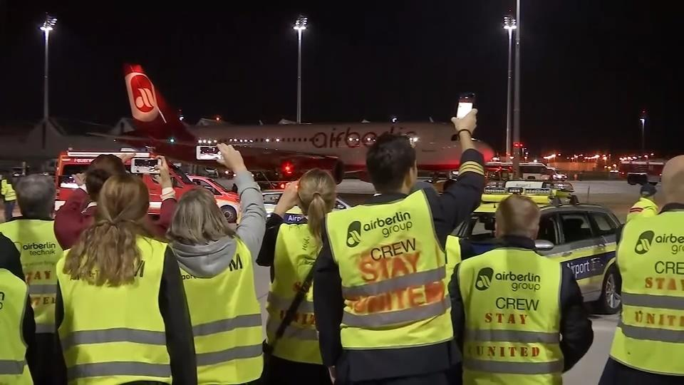 Insolvent Air Berlin's administrator sues Etihad for up 2 bln euros