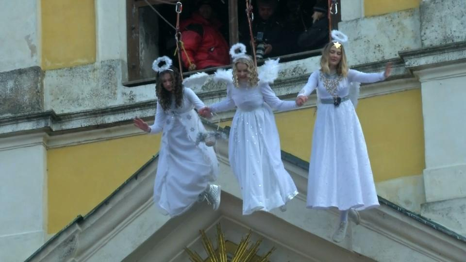 Angels descend from belltower in picturesque Czech town