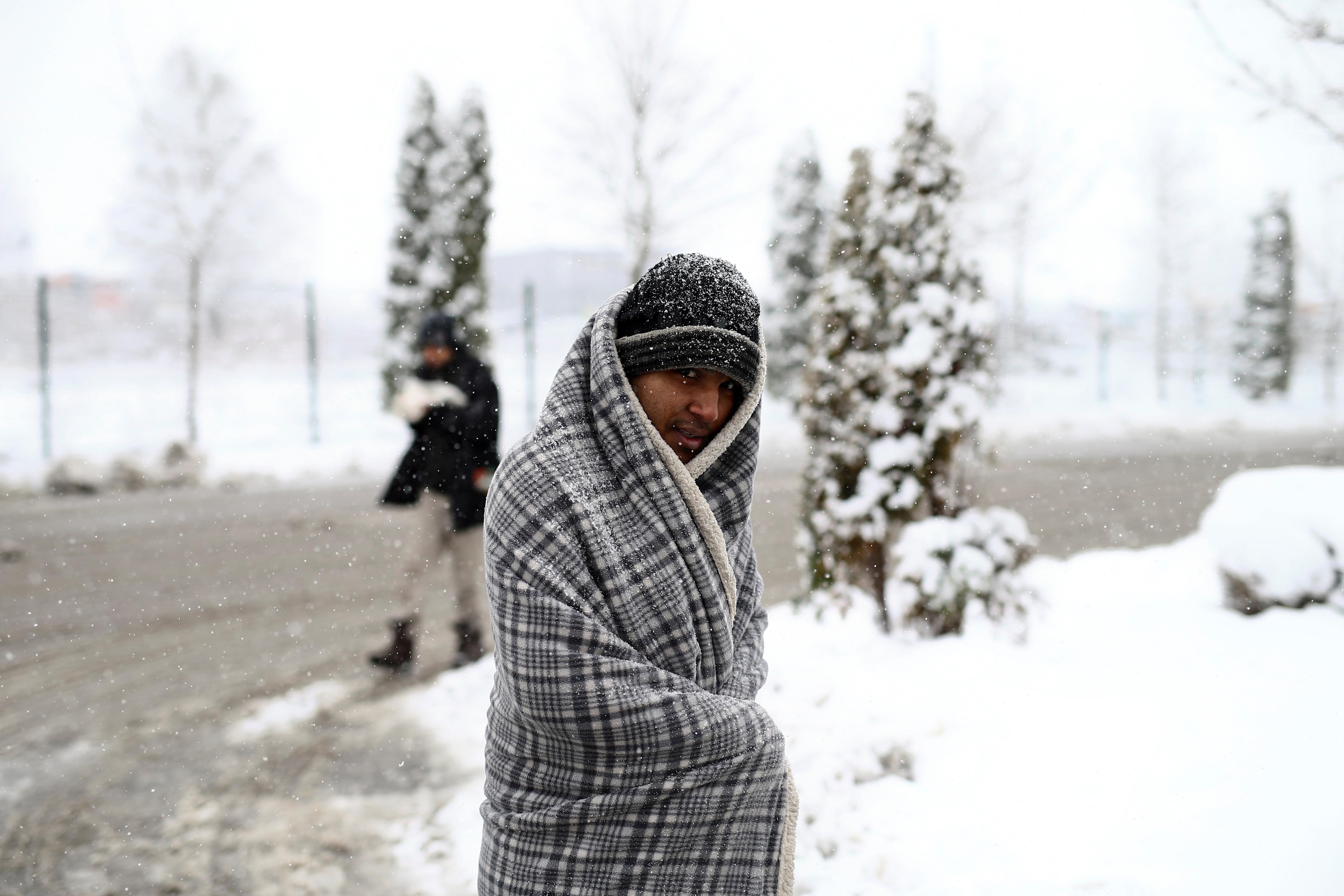 Weather, police stop migrants at EU frontier