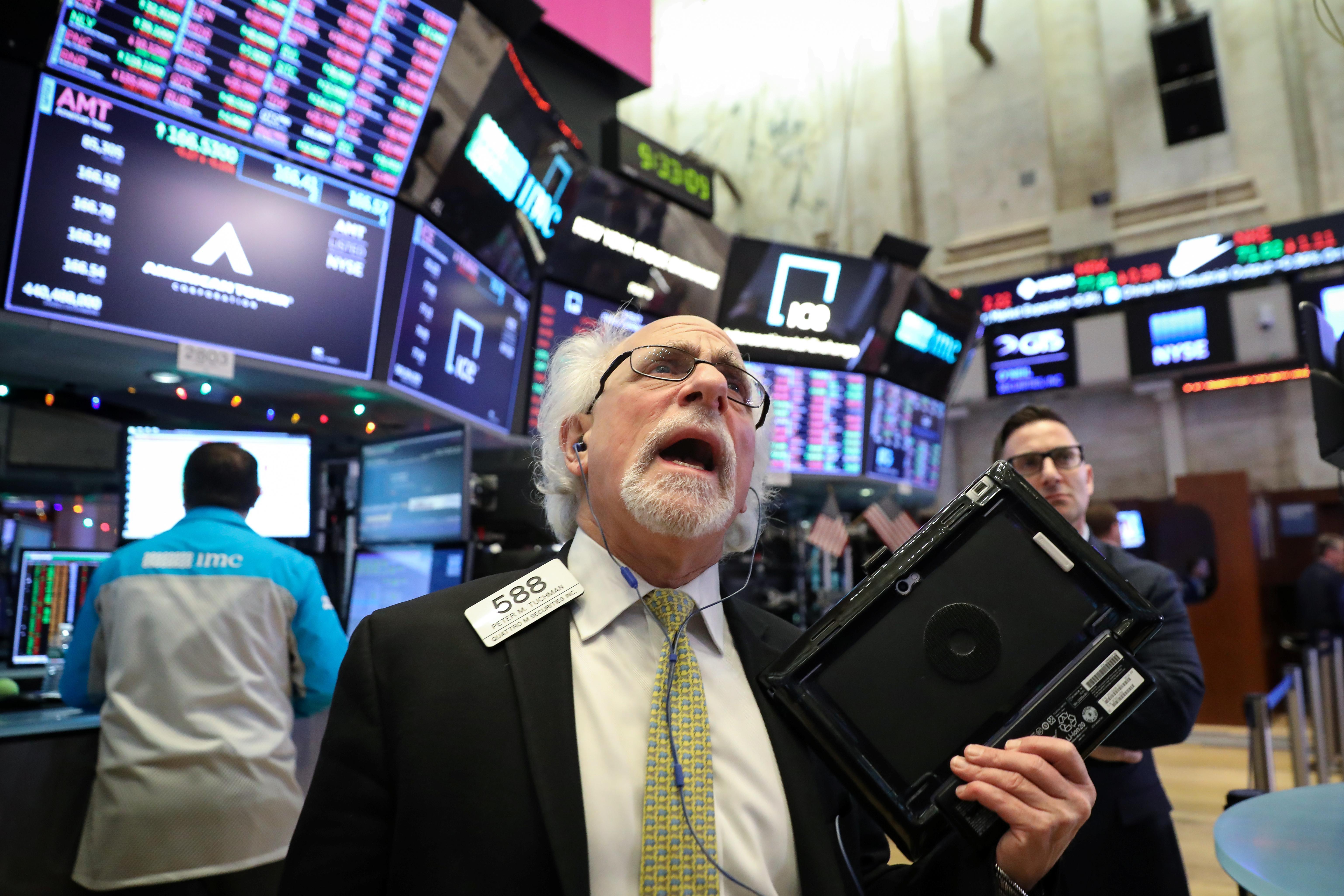 Keep your cool during market slide, says Comprehensive Wealth Management's John Vento