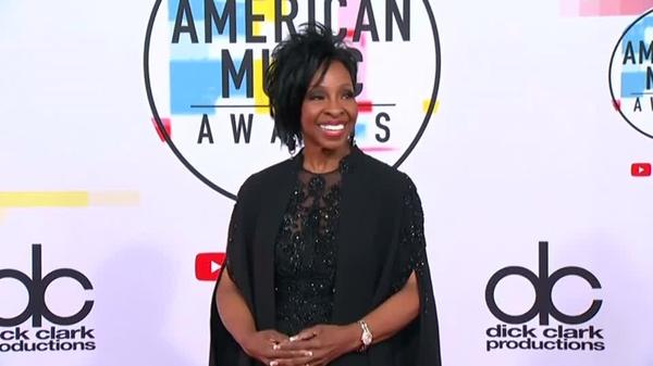 Gladys Knight will perform the U.S. national anthem at the Super Bowl