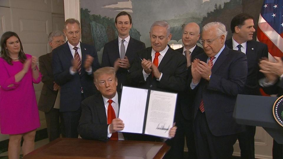 Trump signs Golan Heights decree