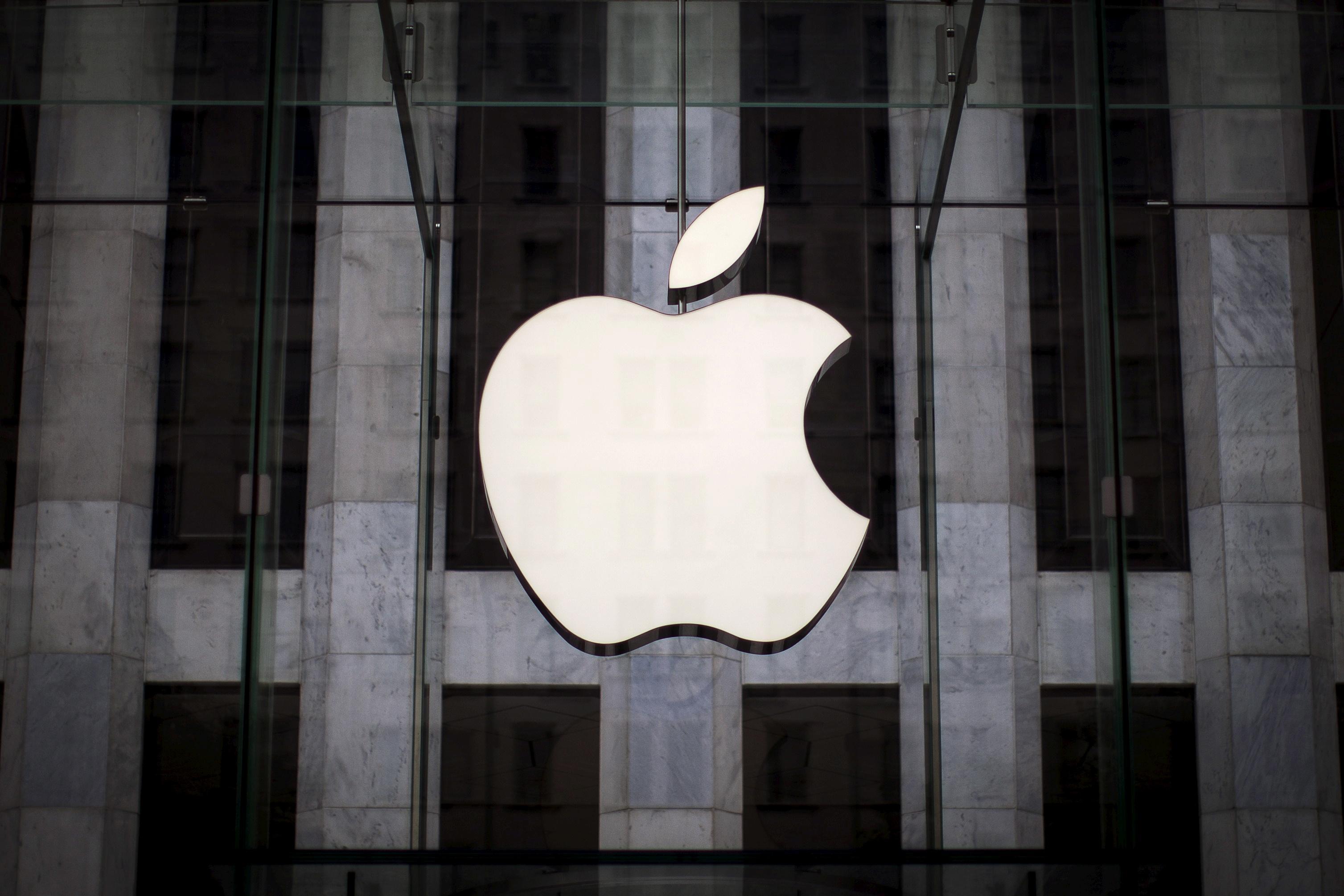 Breakingviews TV: Apple pack