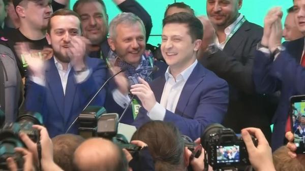 Comedian Zelenskiy celebrates landslide win in Ukrainian race