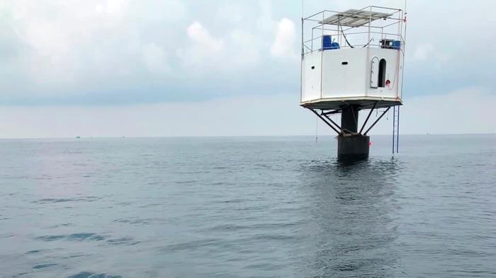 タイ当局がプーケット沖の「浮遊する家」を捜索、持ち主は死刑も(字幕・20日)