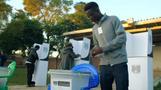 الناخبون في مالاوي يدلون بأصواتهم في انتخابات رئاسية وبرلمانية