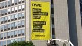 Greenpeace protestiert an RWE-Zentrale gegen Kohleabbau