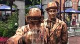 فنانو الشارع يتبارون في مهرجان للتماثيل الحية في بلجيكا