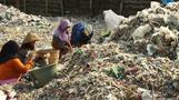 المال مقابل الأزبال.. قرية إندونيسية تتعيش من تدوير النفايات